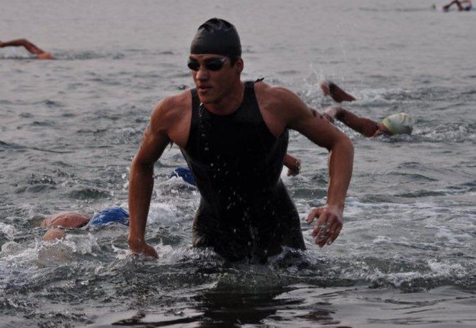 Andrés Fonseca durante una prueba de natación.