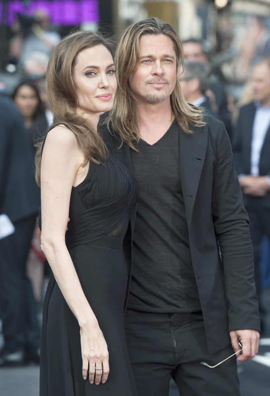 """El actor Brad Pitt y su pareja Angelina Jolie, en la premiere de la película """"World War Z"""", en junio de 2013. (Foto: EFE)"""