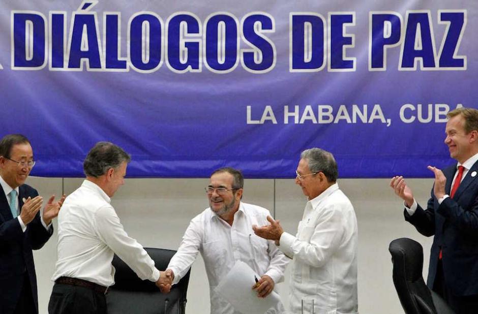 Este lunes se va a firmar la paz entre las FARC y el gobierno colombiano. (Foto: Ernesto Mastrascusa / EFE)