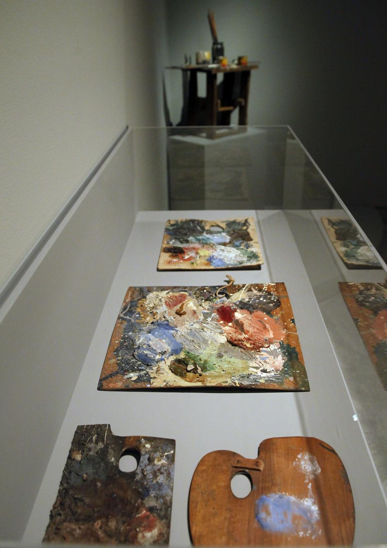 Paletas utilizadas por Pablo Picasso que se convierte de nuevo en protagonista de la temporada expositiva con la gran muestra que dedica la Fundación Mapfre. (Foto: EFE)