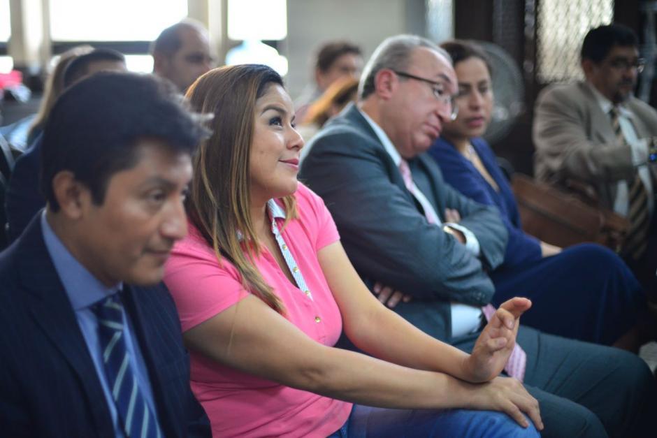 Claudia Méndez se mantuvo sonriente durante la audiencia donde su abogada pidió que se le beneficie con una medida sustitutiva. (Foto: Jesús Alfonso/Soy502)