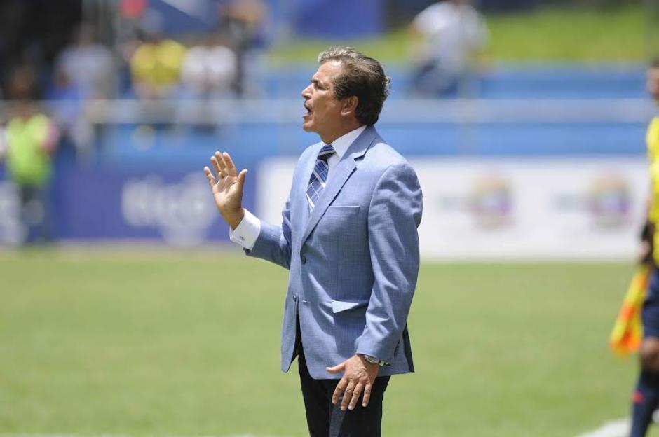Jorge Luis Pinto, quien estuvo en el Mundial de Brasil 2014 dirigiendo a Costa Rica, ahora es el seleccionador de Honduras. (Foto: Orlando Chile/Nuestro Diario)