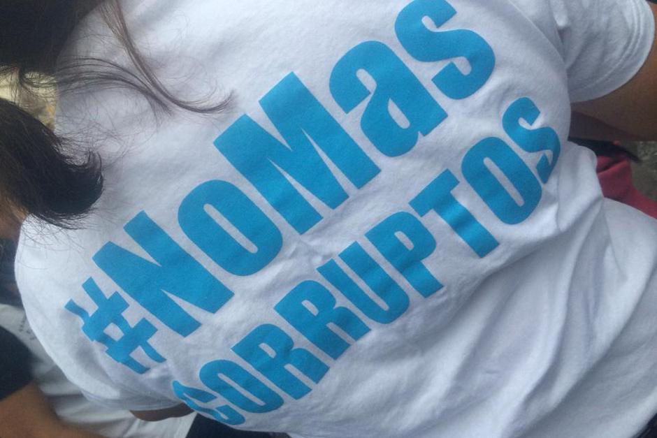 Algunos portaron playeras con consignas en contra de la corrupción. (Foto: Luis Barrios/Soy502)