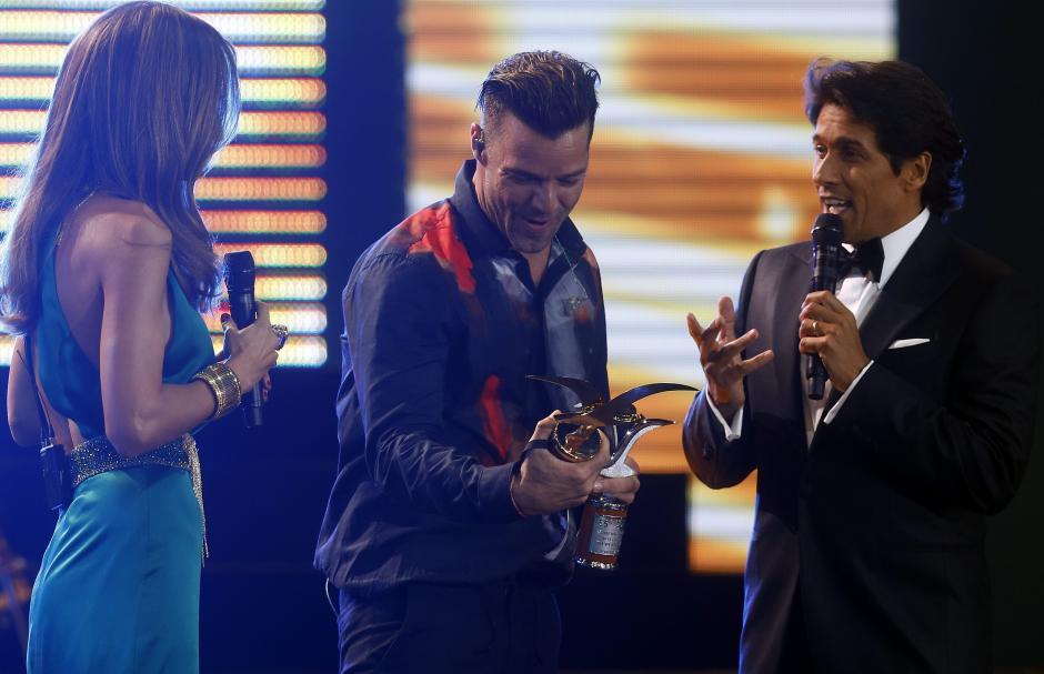 Anorcha y Gaviota de plata y oro se llevó el cantante Ricky Martin durante las dos horas de presentacion enQuinta Vergara. (Foto: EFE)
