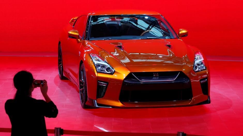 El nuevo GT-R de Nissan atrae las miradas de los participantes al evento. (Foto: Infobae)
