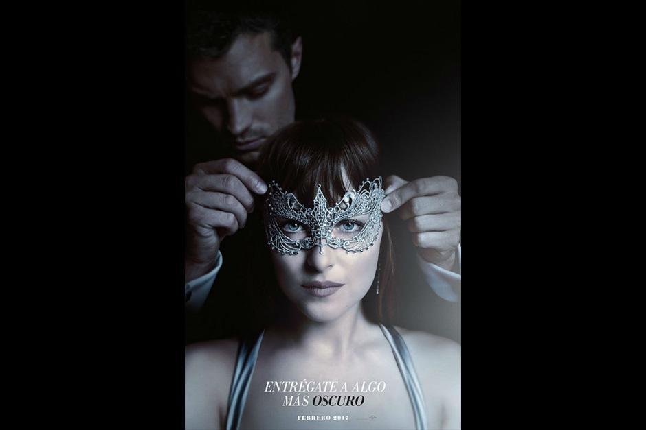 El afiche hace referencia al baile de máscaras que organizan los padres de Christian. (Foto: Archivo)