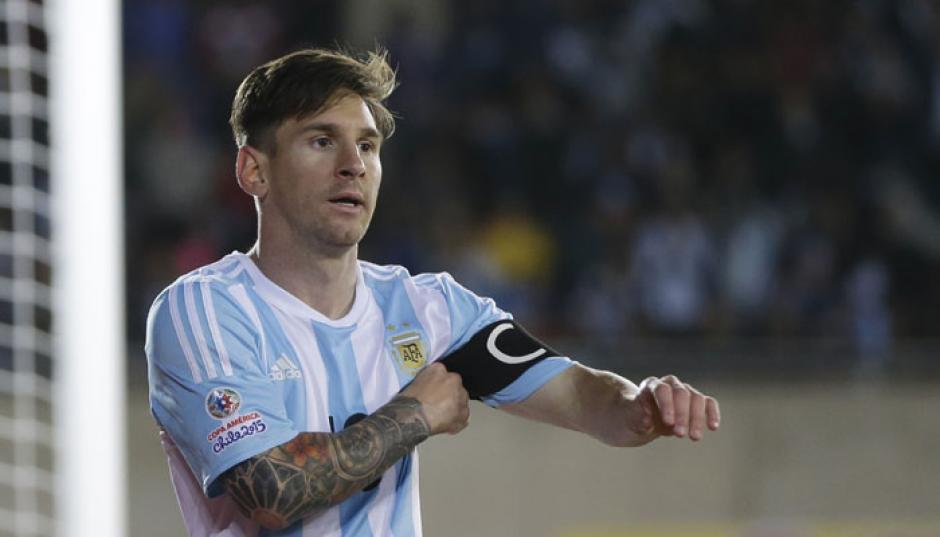 Messi ha sido el capitán albiceleste en varias ocasiones. (Foto: Twitter)