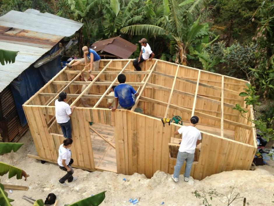 Más de 18 mil voluntarios en Guatemala han construido casas para familias de escasos recursos. (Foto: Techo)