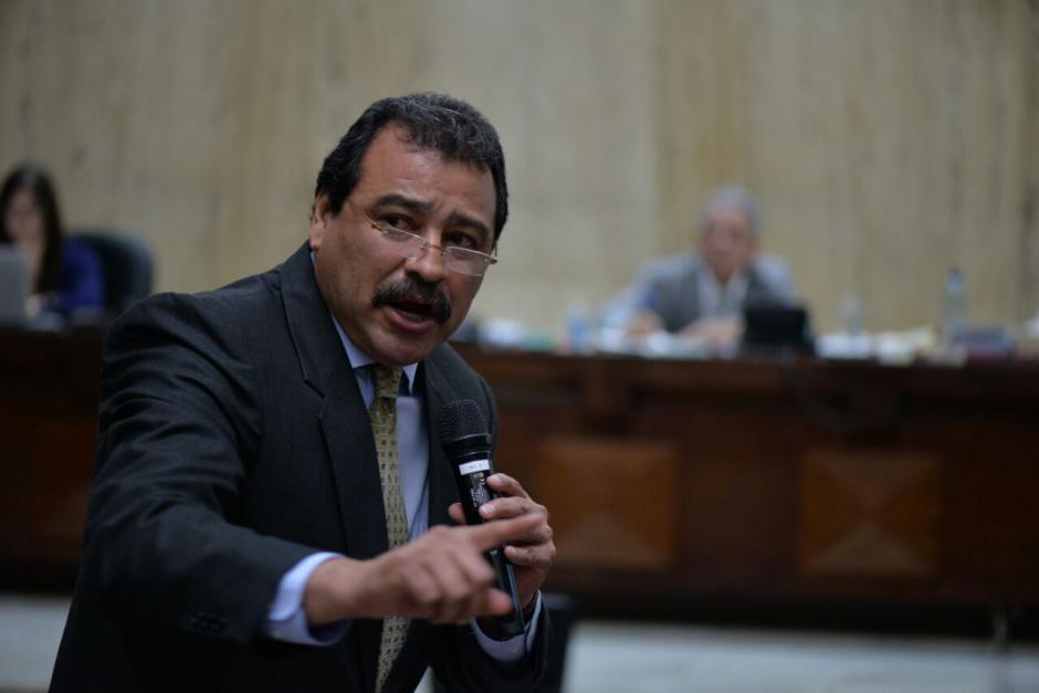 César Calderón criticó al MP y dijo que demandaría civilmente al fiscal encargado del caso. (Foto: Wilder López/Soy502)