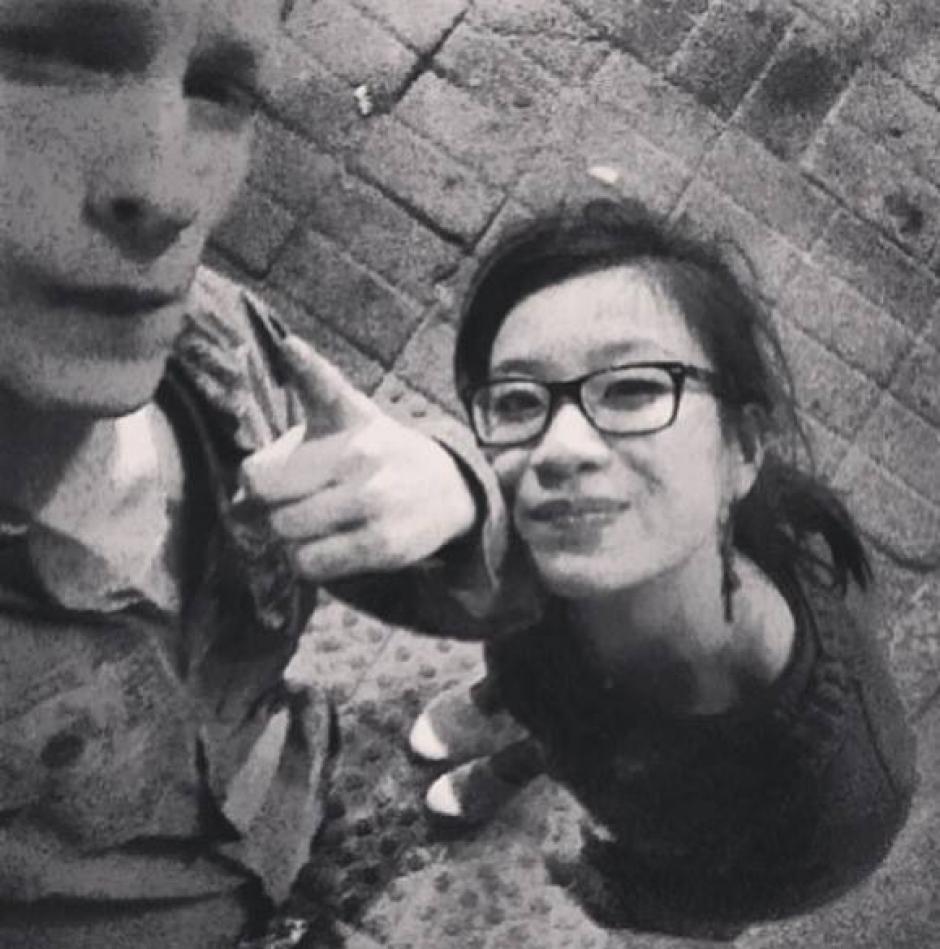 Ésta es uno de las últimas fotos de Adrien junto a su novia Zao en su perfil de facebook. (Foto: Adrien Wattrelos/Facebook)