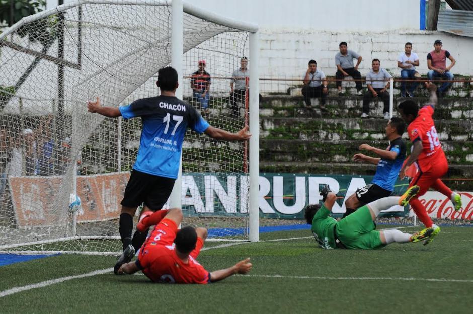 Mlacateco venció 2-1 a Carchá en el estadio Santa Lucía.  (Foto: Nuestro Diario)