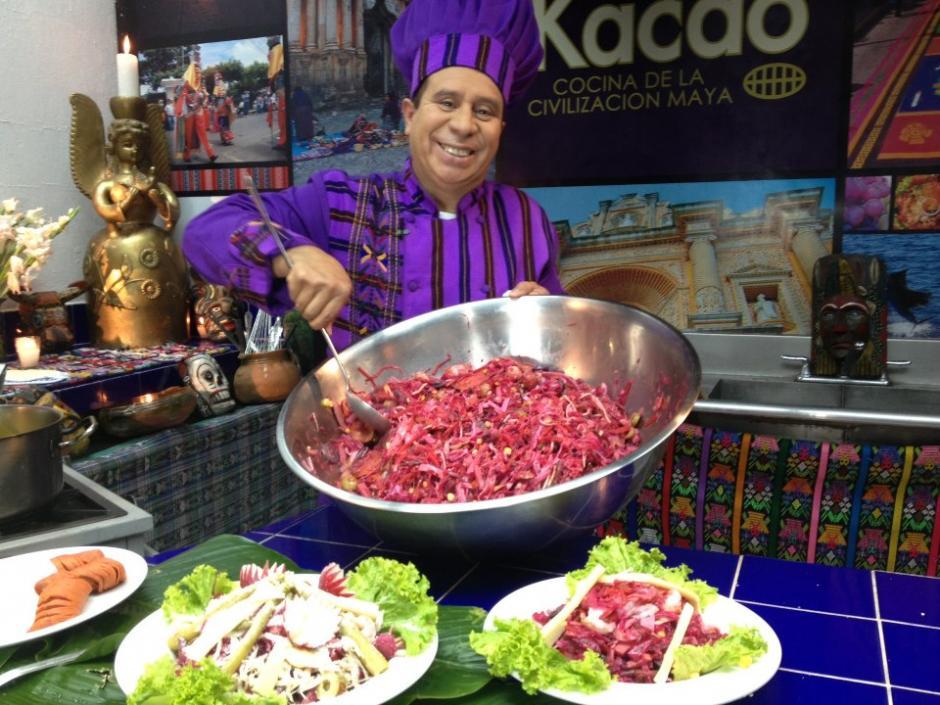 Tras participar en diversos programas de televisión, el chef filmaba su propio segmento de cocina en un set de su restaurante Kacao. (Foto: Facebook).