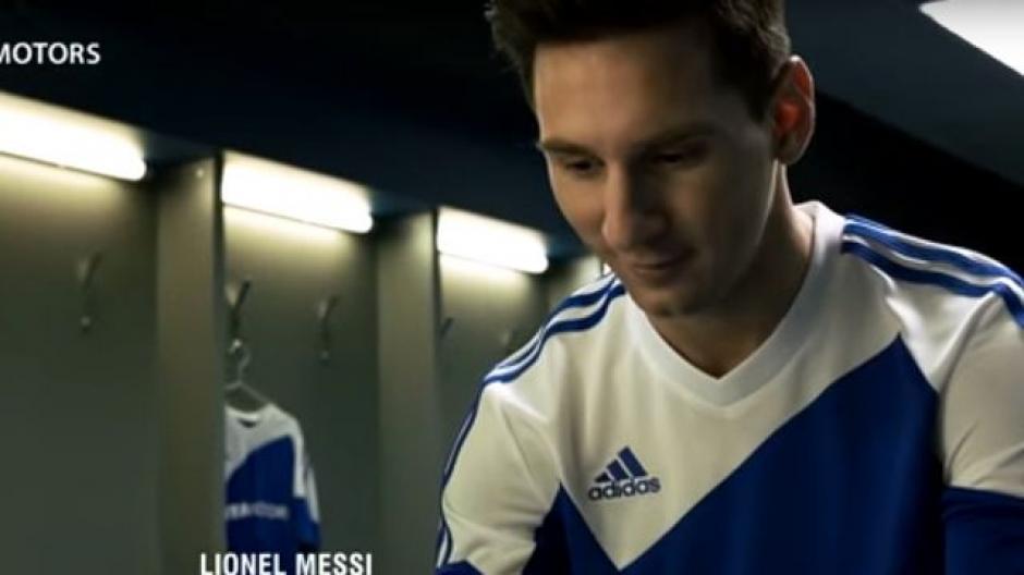 Messi protagoniza un nuevo spot comercial en el cual viste un uniforme azul con blanco