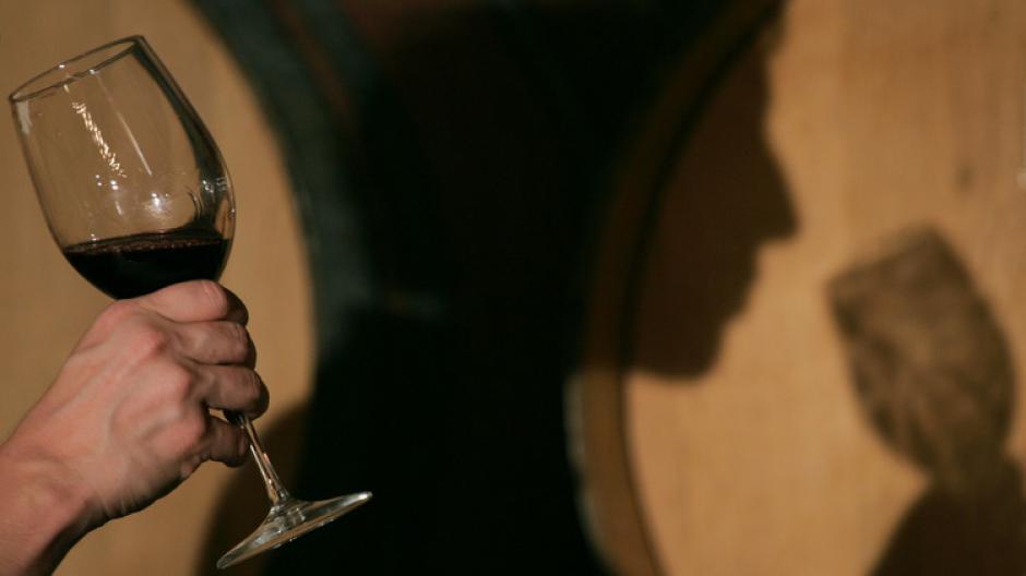 El licor puede causar el desarrollo del cáncer de mama y de al menos otros seis tipos de tumores. (Foto: actualidad.rt.com)