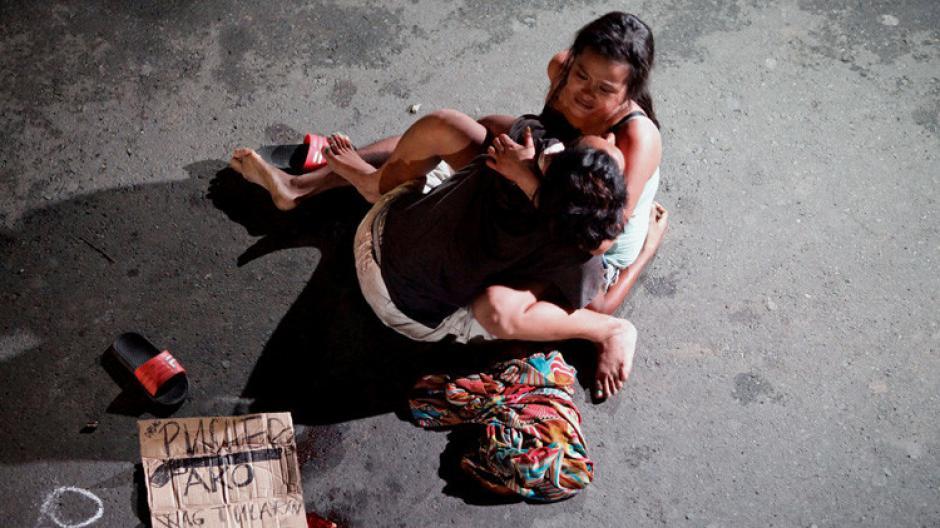 La historia de la mujer que se gana la vida matando narcotraficantes se ha vuelto viral. (Foto: RT.com)