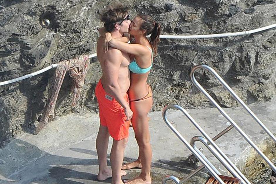 Las muestras de amor fueron evidentes entre el actor estadounidense y la modelo rusa. (Foto: mujeres.elsalvador.com)