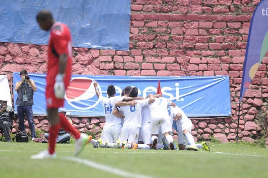 Los guatemaltecos iniciaron ganando con el gol de José Longo al minuto 54