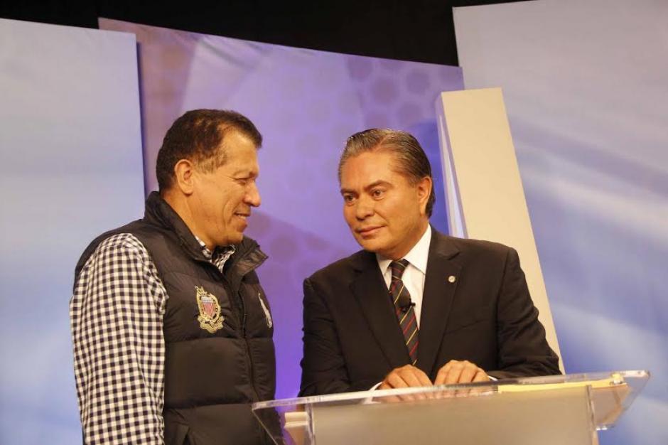 Mario Estrada durante uno de los descansos del Foro de Presidenciables 2015