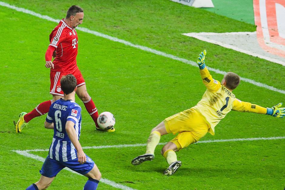 Ribery entró de cambio y puso el 3-1 definitivo con el que el Bayern se coronó como el campeón más prematuro de la historia de la Bundesliga. (Foto: EFE)