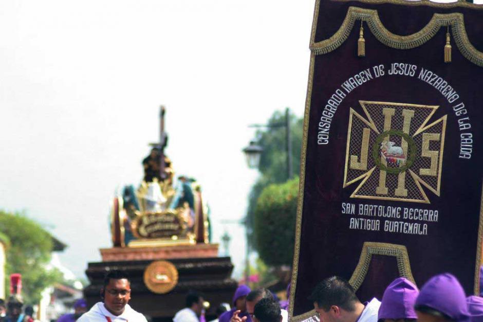 """""""Consagrada Imagen de Jesús Nazareno de la Caída"""", es el nombre completo de esta imagen.(Foto: Raúl Illescas/Especial para Soy502)"""