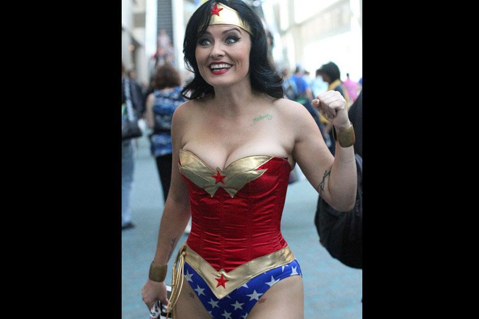 La Mujer Maravilla también se hizo presente en San Diego. (Foto: sopitas.com)