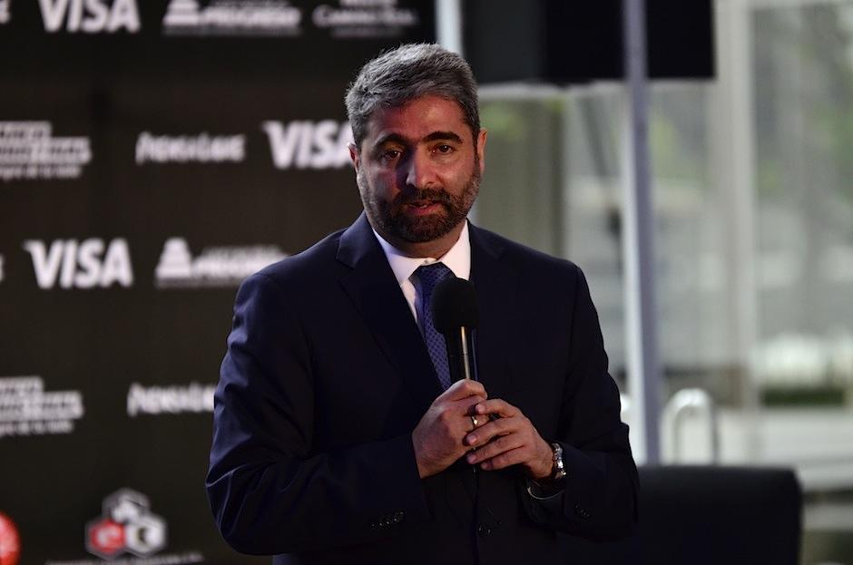 Roberto Ardón, director ejecutivo de CACIF habla acerca de Rigoletto. (Foto: Selene Mejía/Soy502)