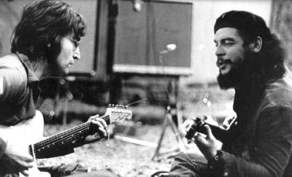 """Este famoso fotomontaje muestra al mítico Beatle junto con Ernesto """"Che"""" Guevara. Ambos se convirtieron en leyenda y ambos fueron asesinados."""