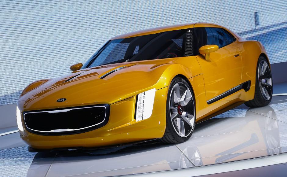 El nuevo y esperadoKia GT4 Stinger concept sports car. (Foto: EFE)