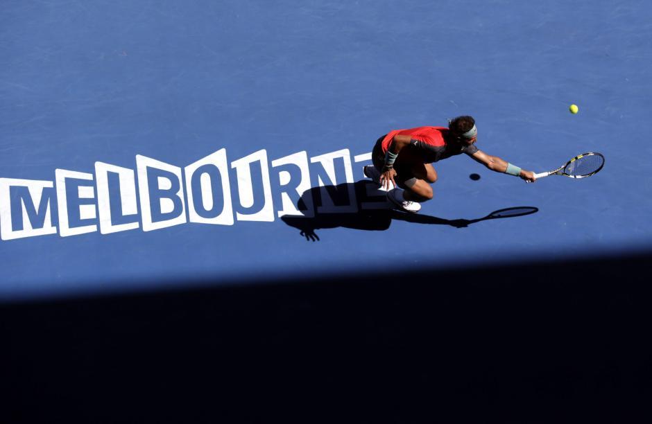 Rafael Nadal se enfrentará a Roger Federer en las semifinales del torneo.EFE/MAST IRHAM