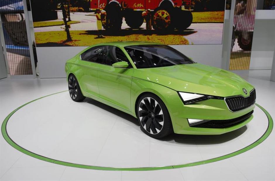 Un modelo del nuevo Skoda Vision C permanece expuesto en la 84 edición del Salón del Automóvil de Ginebra. (Foto: EFE)
