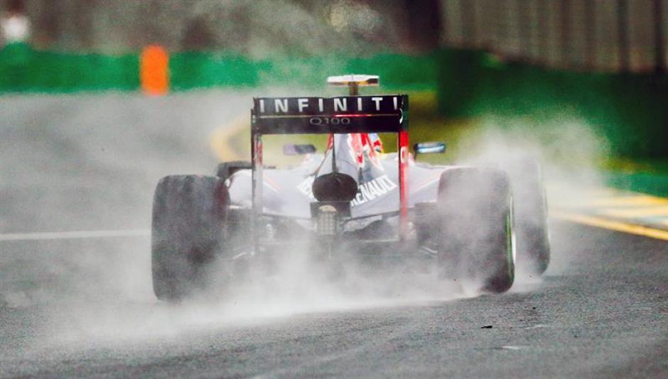 La lluvia fue sin duda uno de los grandes problemas para Vettel.(Foto: EFE)