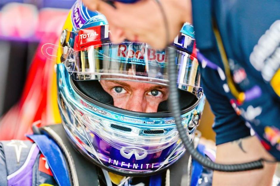 El vigente campeón Sebatian Vettel no tuvo el mejor día y quedó fuera del Q3.(Foto: EFE)