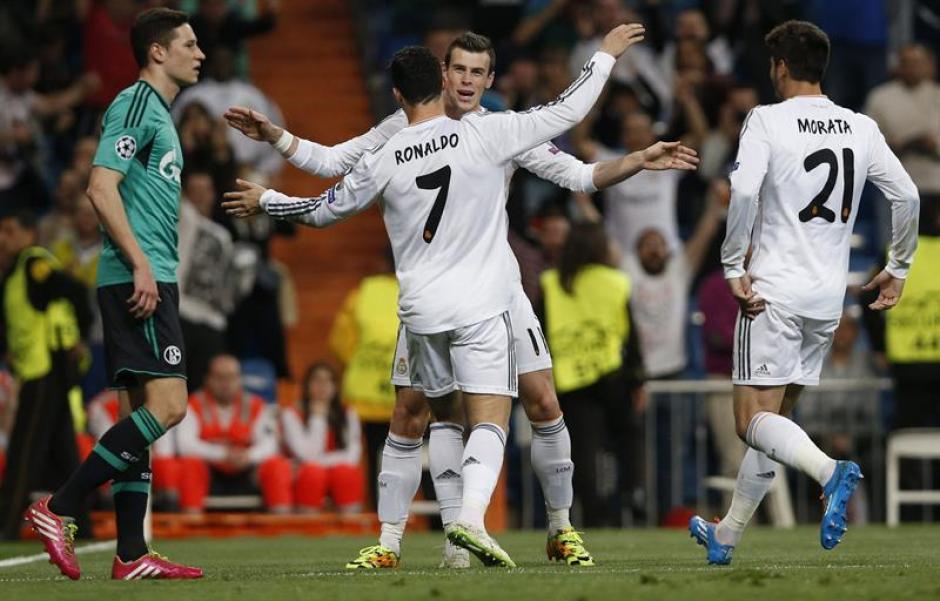 Cristiano Ronaldo y Gareth Bale celebran la anotación del Real Madrid. (Foto: EFE)