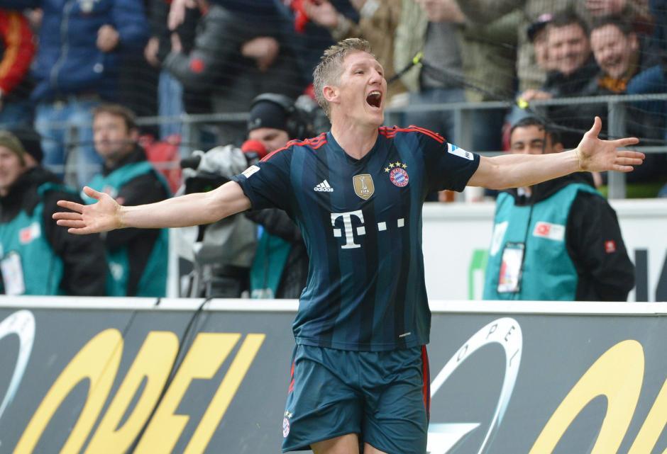 Bastian Schweinsteiger anotó el primer gol del partido al minuto 82. (Foto: EFE)