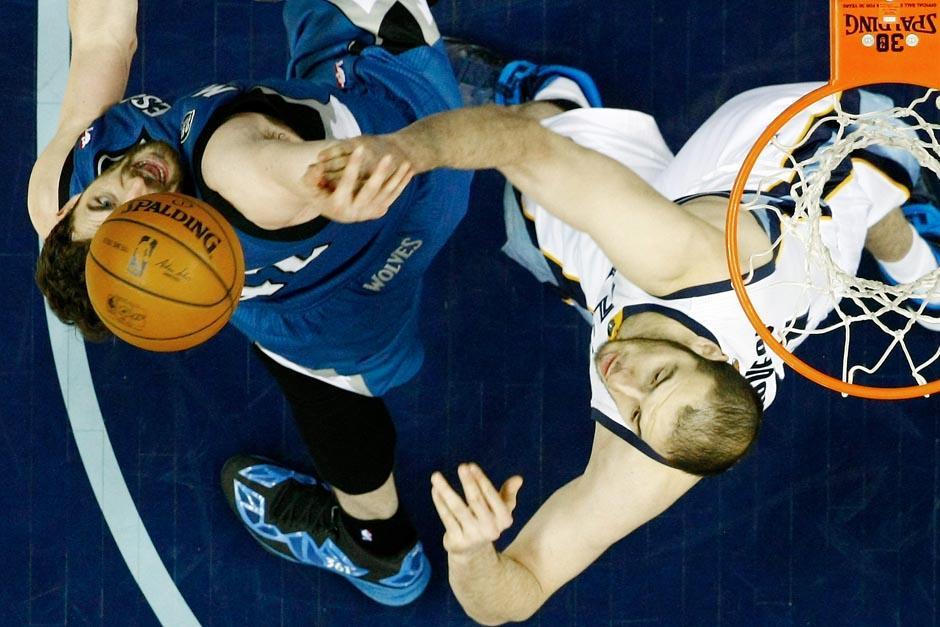 Una acción entre los Grizzlies y los Timberwolves. (Foto: EFE)