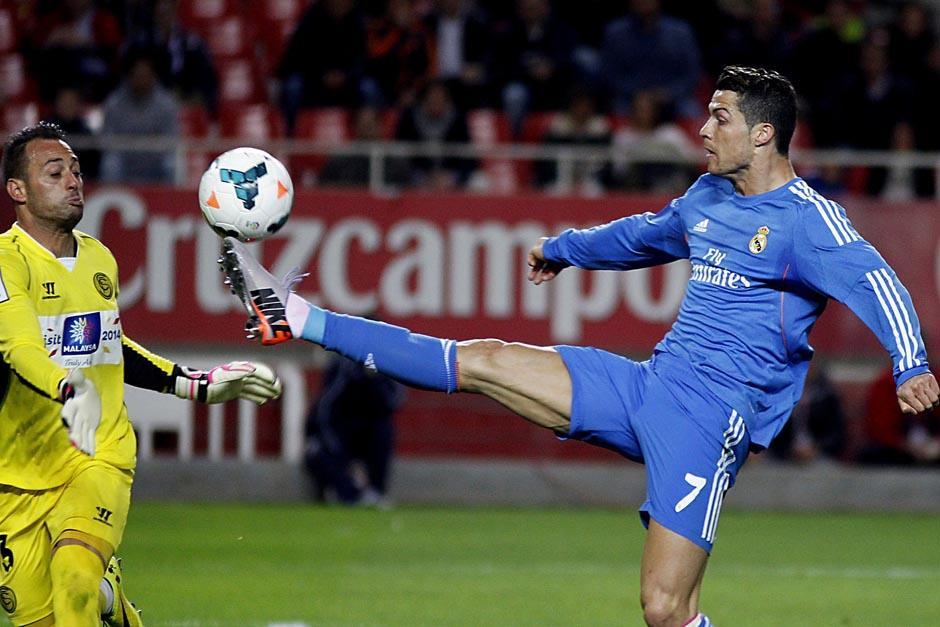 El juego fue dominado por el Real Madrid, aunque generó muy pocas ocasiones de riesgo. (Foto: EFE)