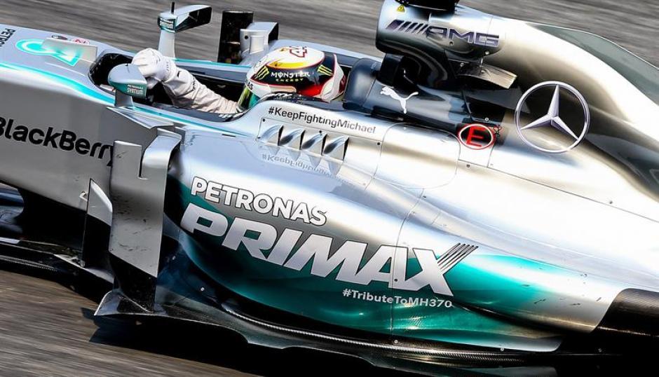 El piloto británico Lewis Hamilton saldrá primero en el Gran Premio de Malasia de Fórmula Uno. (Foto. EFE)