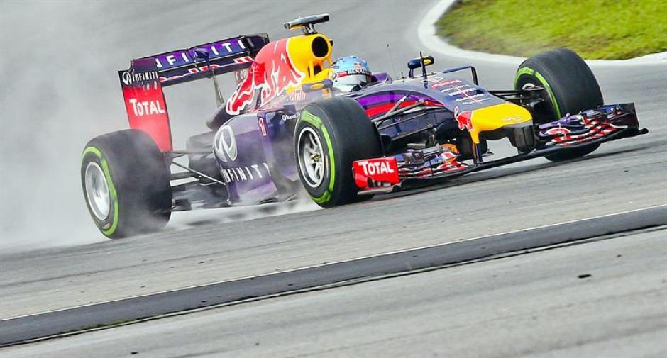 El piloto alemán Sebastian Vettel de Red Bull saldrá en la segunda posición del Gran Premio de Malasaia de Fórmula Uno. (Foto: EFE)
