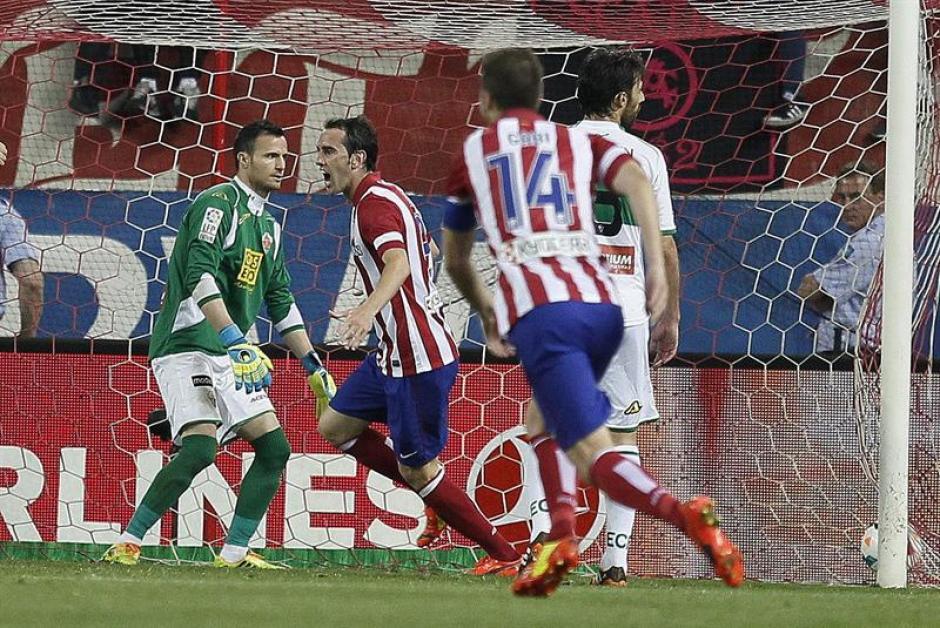 Gol de Joao Miranda y el Atlético encarriló el triunfo frente al Elche. (Foto: EFE)