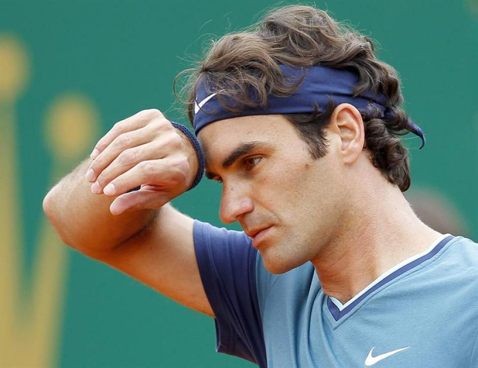 Roger Federer comenzó ganando, pero no logró mantener su nivel. (Foto: EFE)