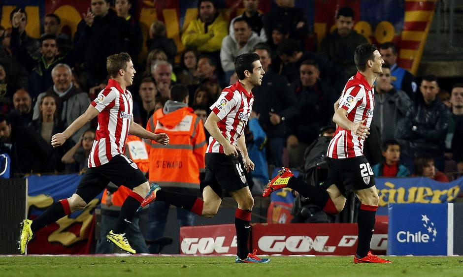Aduriz celebra el gol contra el Barcelona. (Foto: EFE)