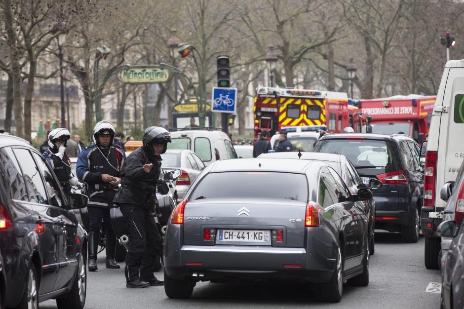 Terror en par s al menos 12 muertos en ataque terrorista for Oficinas bankia cercanas
