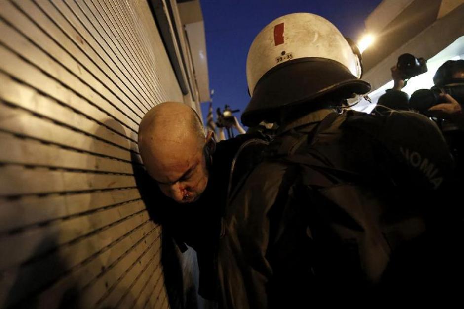 La confederación de sindicatos del sector público (ADEDY), este lunes había convocado una huelga de 24 horas contra el acuerdo en Grecia. (Foto: EFE)