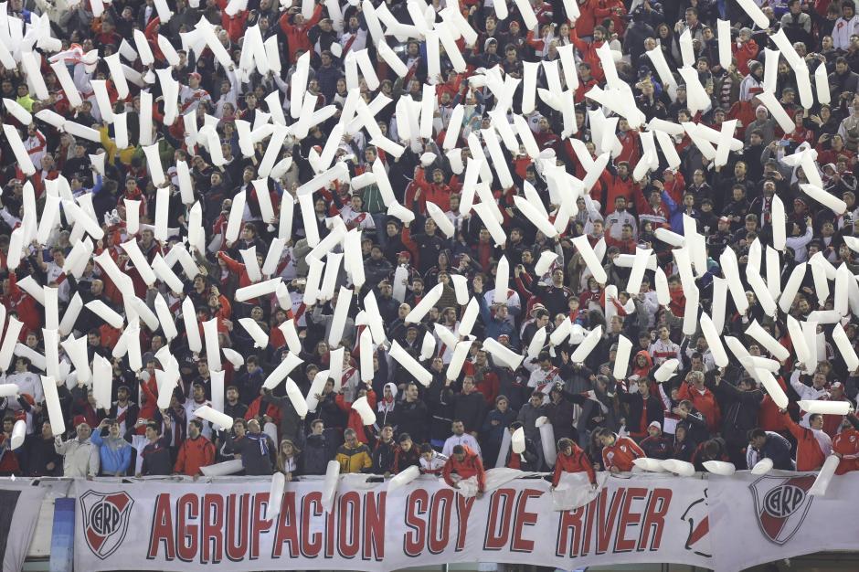 La afición de River Plate alentó de principio a fin y su equipo les regaló la Copa Libertadores 2015. (Foto: EFE)