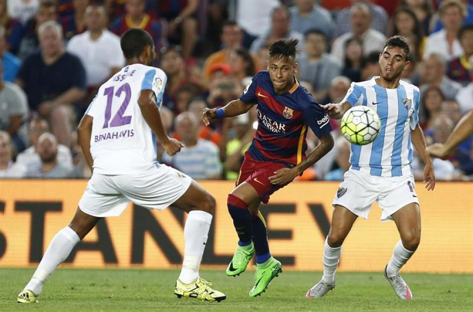 La novedad en el once de Barcelona fue la aparición de Neymar, tras superar su problema de paperas que lo separó de las canchas algunas semanas. (Foto: EFE)