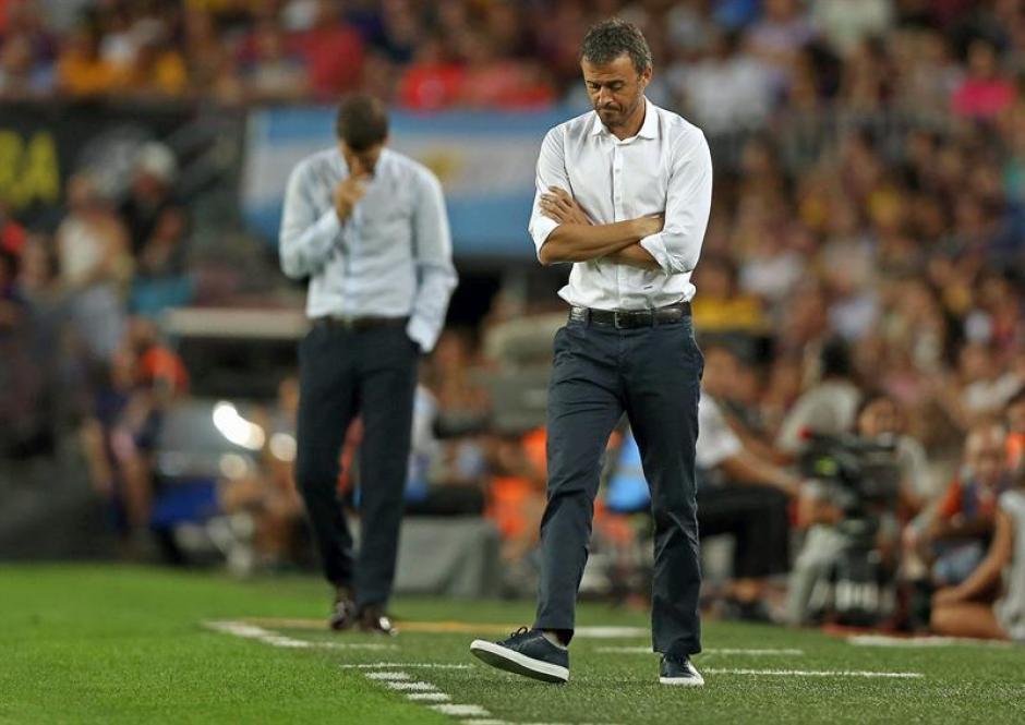 Luis Enrique se mantuvo de pie casi todo el partido.(Foto: EFE)