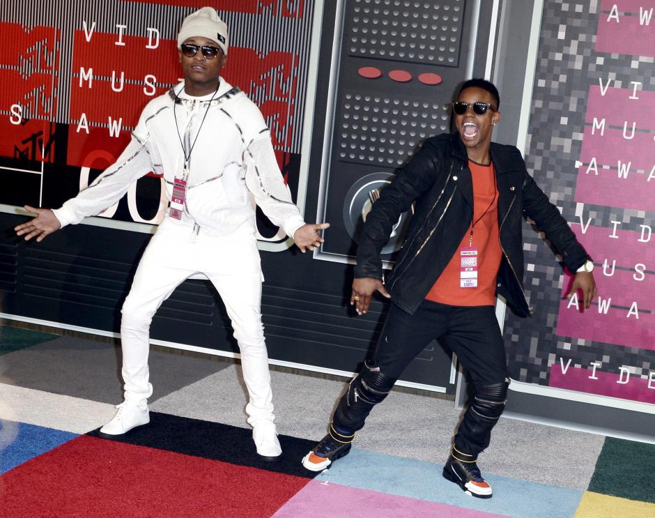 Los miembros de la banda Silento llega en la alfombra roja de la 32 entrega de los MTV Video Music Awards en el Teatro Microsoft en Los Angeles, California, Estados Unidos. (Foto: EFE/Paul Buck)