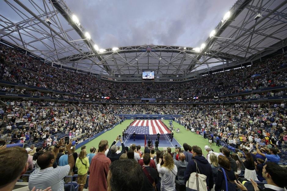 Así lucía la cancha previo al inicio del juego final del Abierto de Estados Unidos. (Foto: EFE)