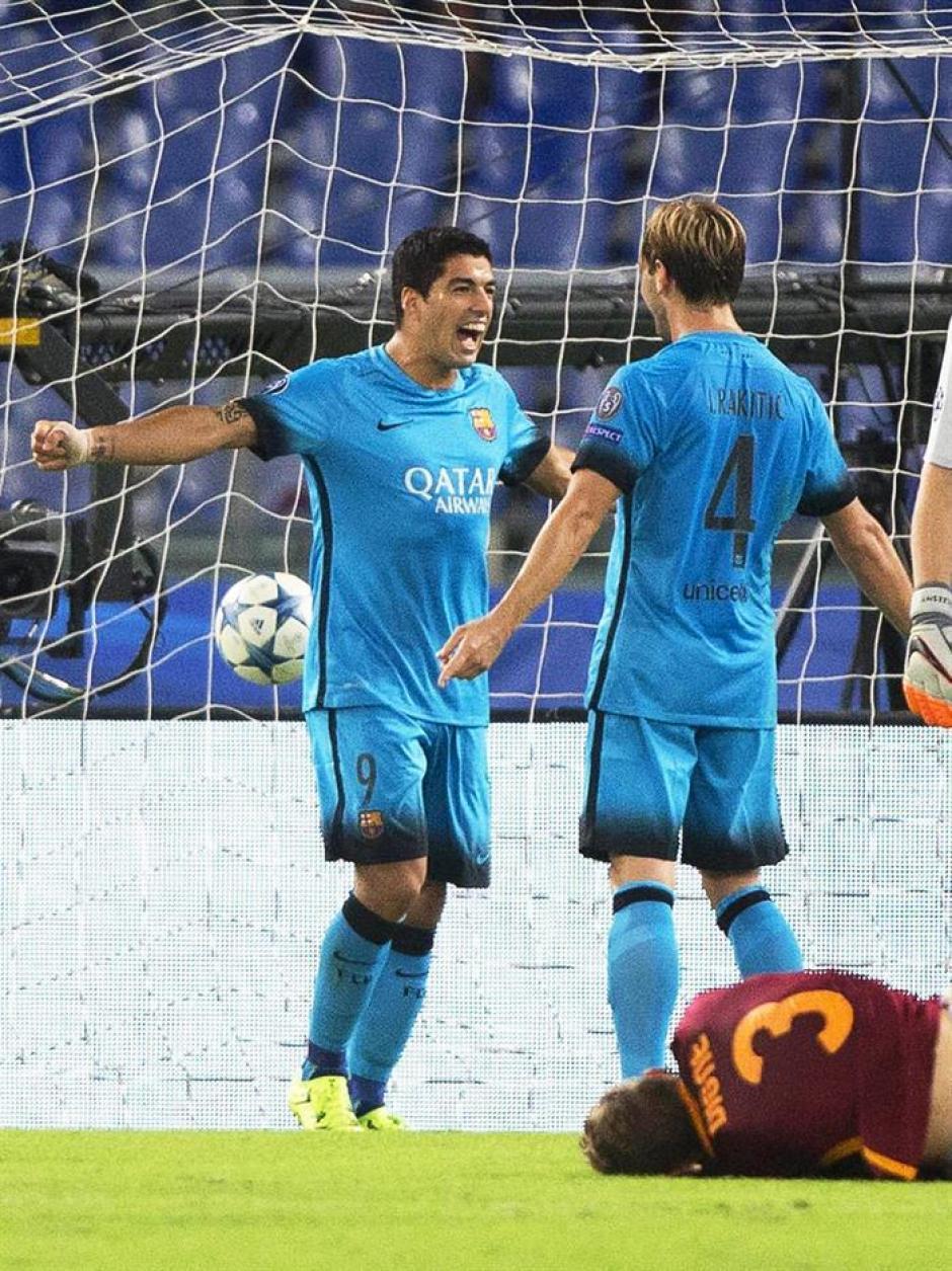 Luis Suárez llegó a 30 goles en competiciones de Europa. Abrió la cuenta para Barcelona. (Foto: EFE)