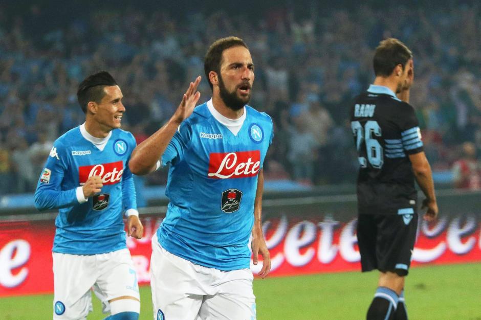Higuaín guió la ofensiva del Nápoles ante Juventus